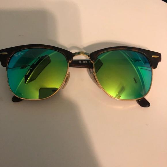 5e10438b2 Ray-ban clubmaster sunglasses green mirror lens. M_5aaa723da4c485c743576f72